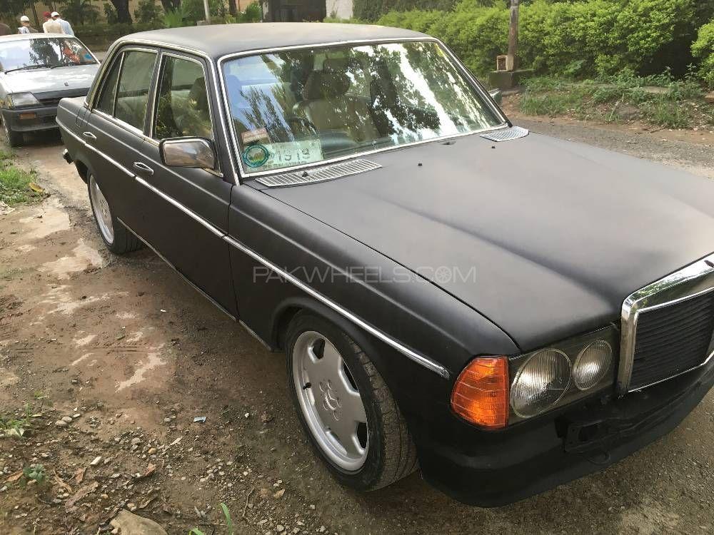 Mercedes Benz D Series - 1984  Image-1