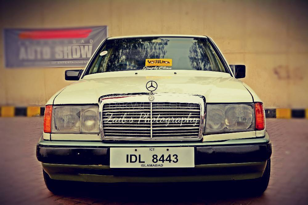 Mercedes Benz E Class - 1989  Image-1