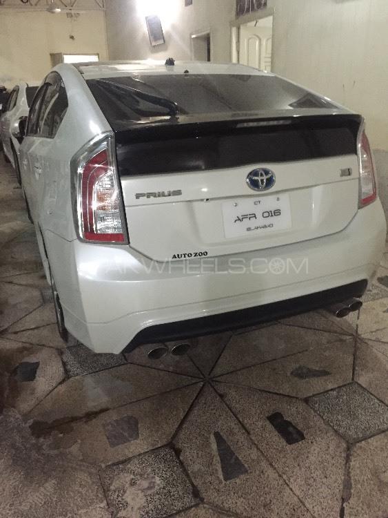 Toyota Prius - 2014  Image-1
