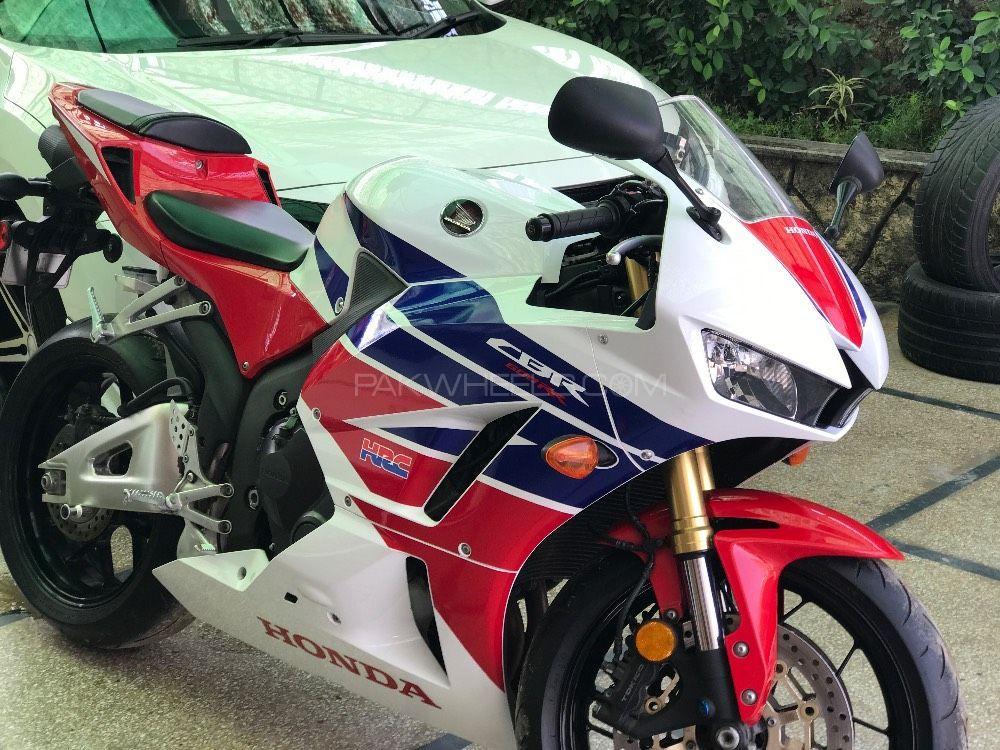 Honda CBR 600RR - 2015  Image-1