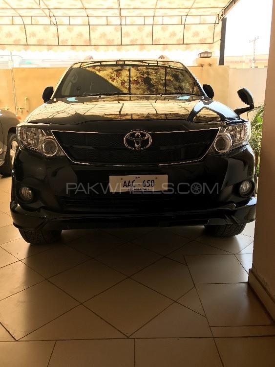 Toyota Fortuner - 2013  Image-1
