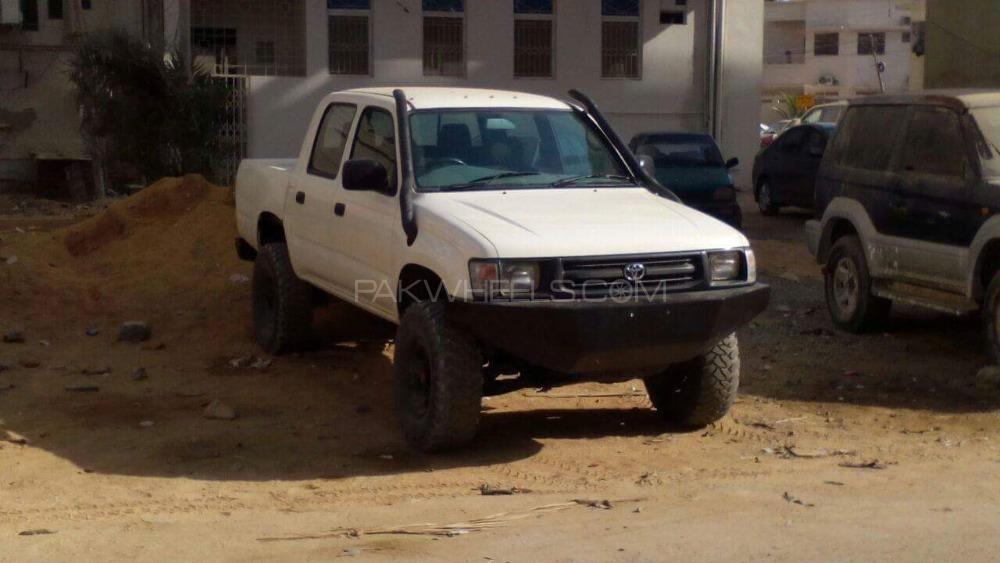 Toyota Hilux - 2000  Image-1