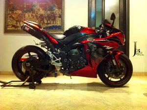 Yamaha YZF-R1 - 2011