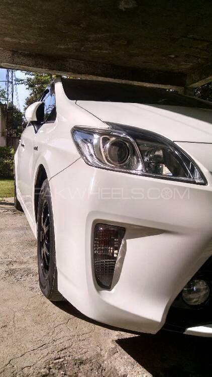 Toyota Prius - 2013 Prisu Image-1