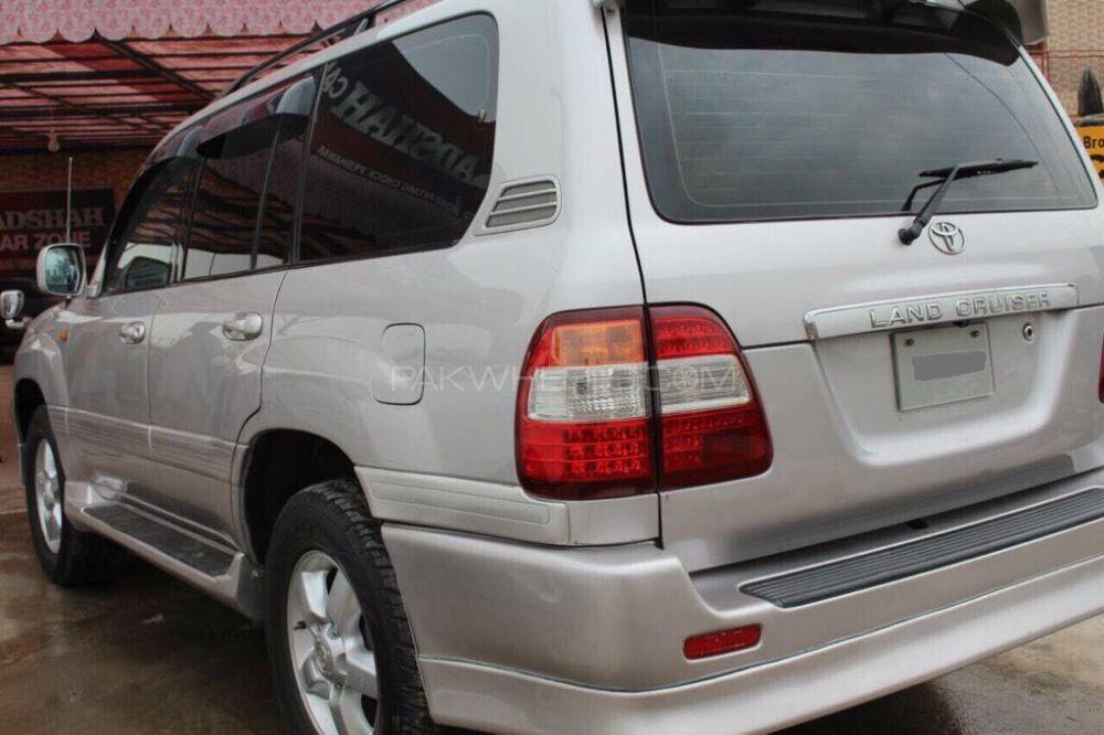 Toyota Land Cruiser - 2002  Image-1