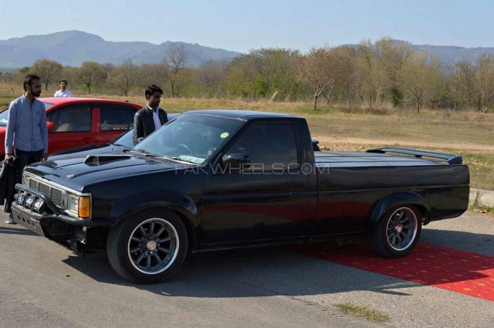 Nissan Pickup - 1991  Image-1