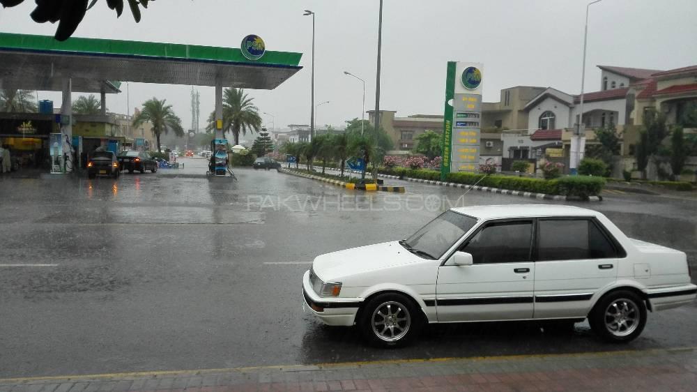 Toyota 86 - 1987  Image-1