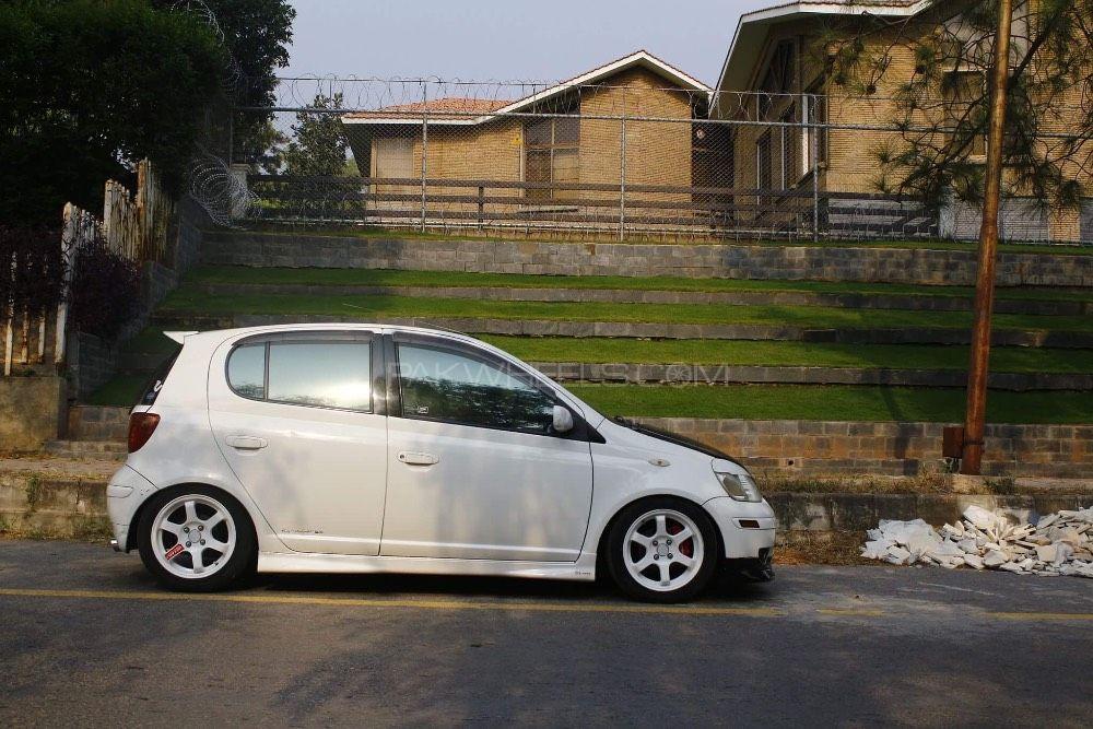 Toyota Vitz - 2002  Image-1