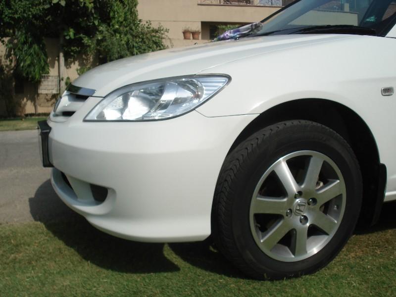 Honda Civic - 2005 Whitesat Image-1
