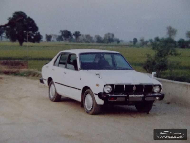 Toyota Corolla - 1979 ke30 Image-1