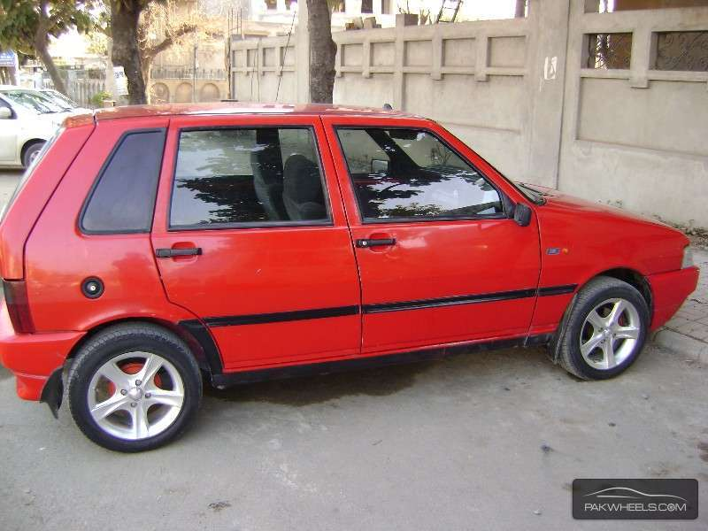 Fiat Uno - 2009 widow maker Image-1