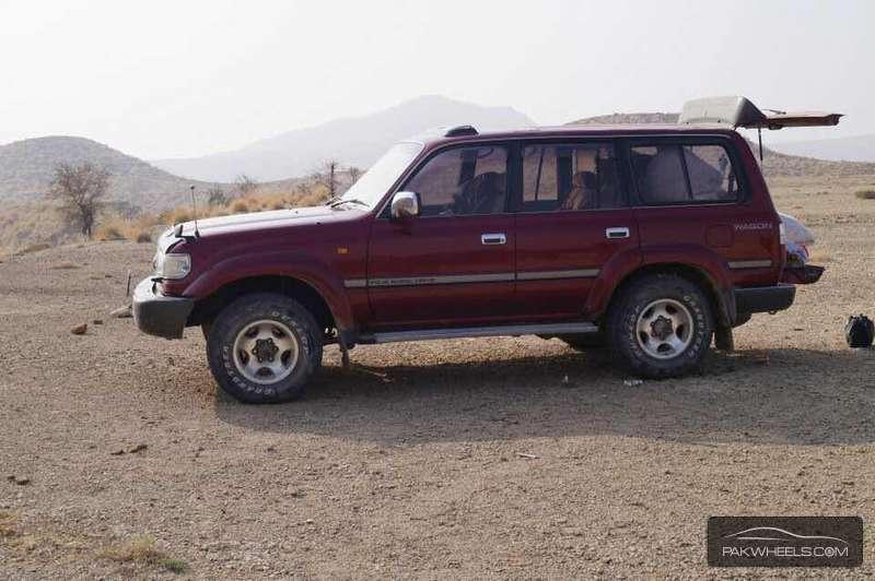 Toyota Land Cruiser - 1995  Image-1