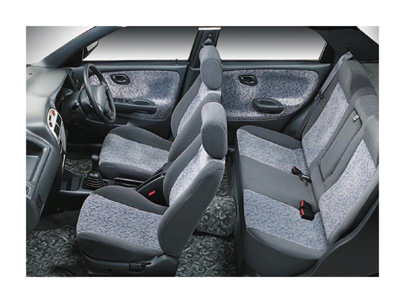 Suzuki Baleno 2005 Interior