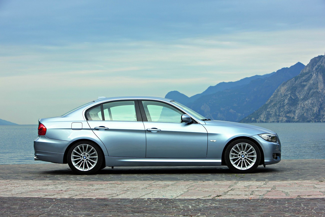 BMW 3 Series Exterior Side View