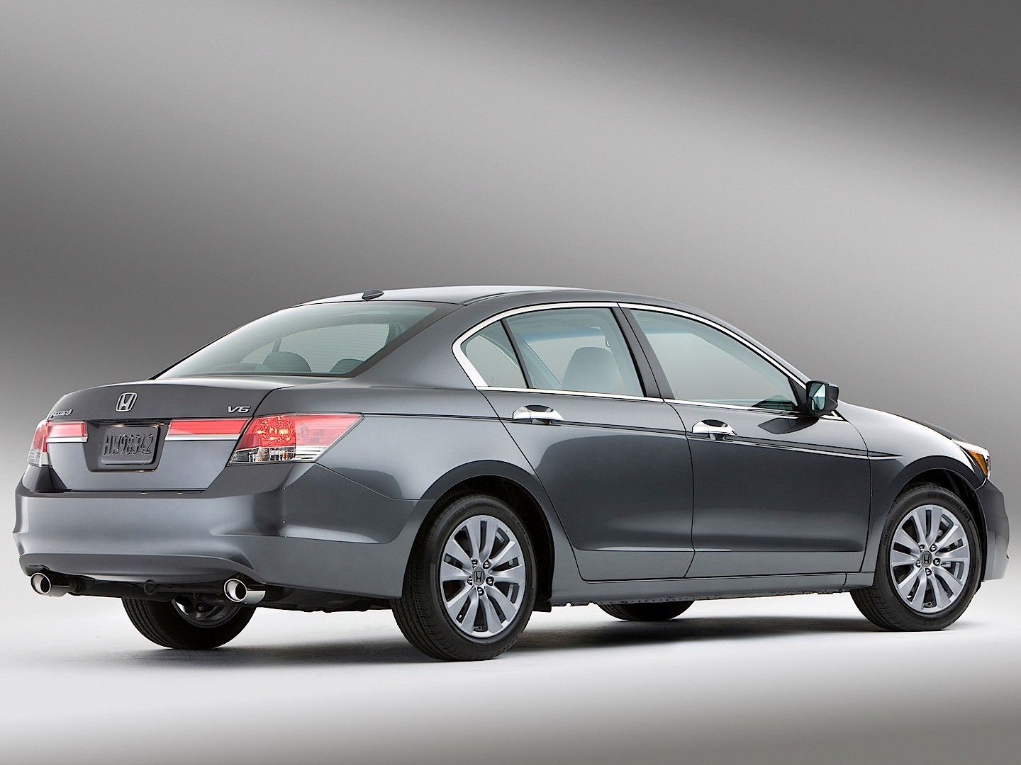 Honda Accord 2012 Exterior Rear Side View