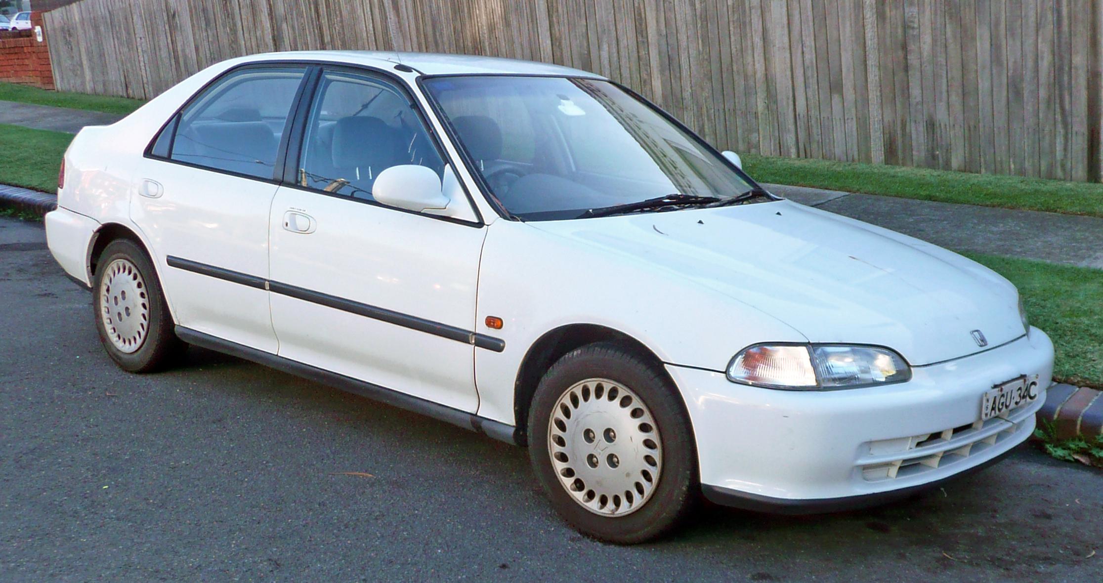 1993-1995_honda_civic_sedan_01