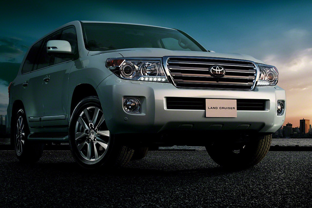 Toyota Land Cruiser 2018 Exterior Front End