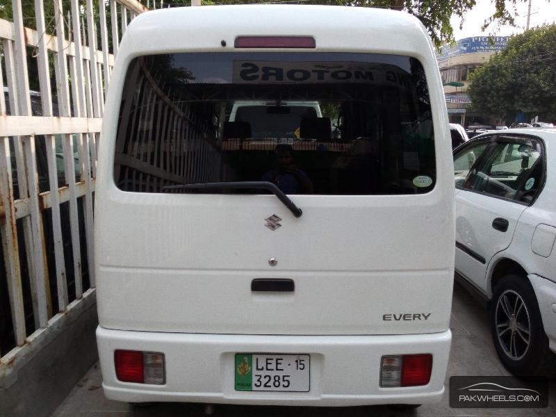 Suzuki Every Exterior Rear End