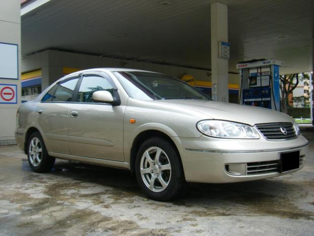 Nissan Sunny 2010 Exterior Front Side View