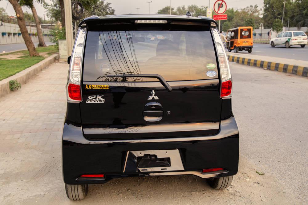 Mitsubishi EK Custom  Exterior